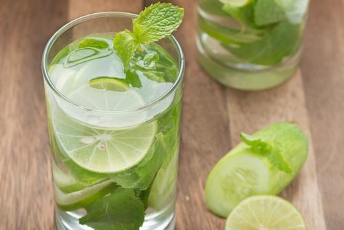 agua de pepino y limón
