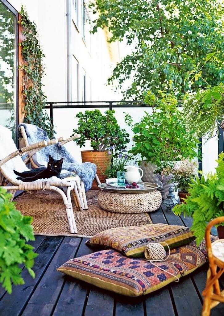 balcón con sillones