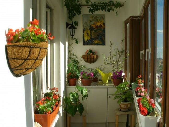30 ideas para decorar el balc n de tu casa for Decoracion navidad piso pequeno