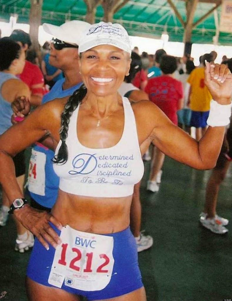 la edad no es importante Ernestine Shepherd en competencia