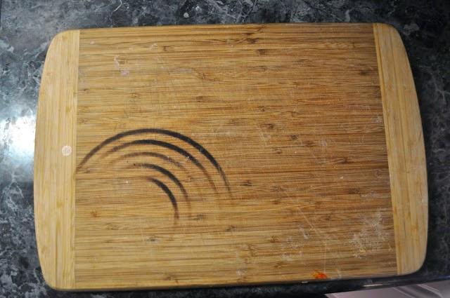 Tabla de madera antes de ser limpiada