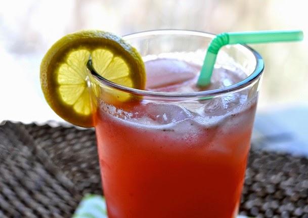 limonada con arándanos y endulzada con estevia para eliminar los cálculos renales