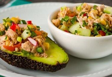 Deliciosa ensalada de atún vegano