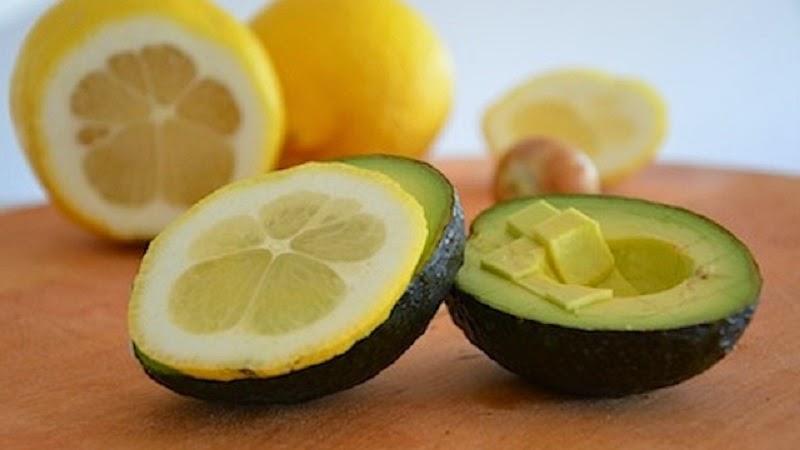 evitar que los aguacates se oxiden limón cáscara