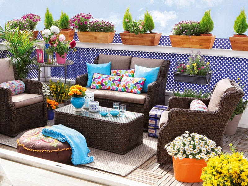 10 trucos para decorar la terraza o balc n for Sillones de balcon