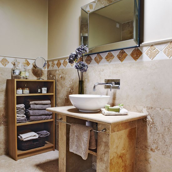Bathroom-country-Country-Homes--Interiors