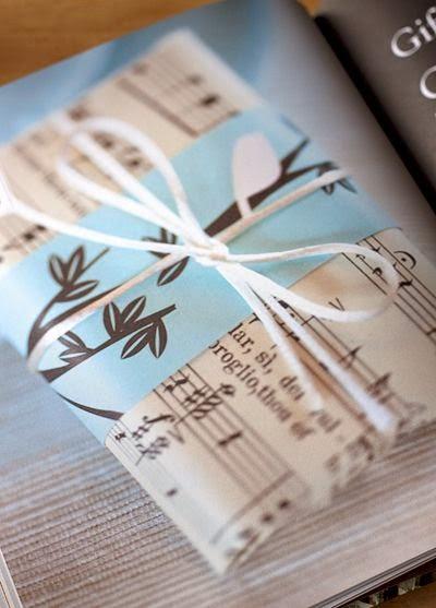 decorar regalos con papel sobrante