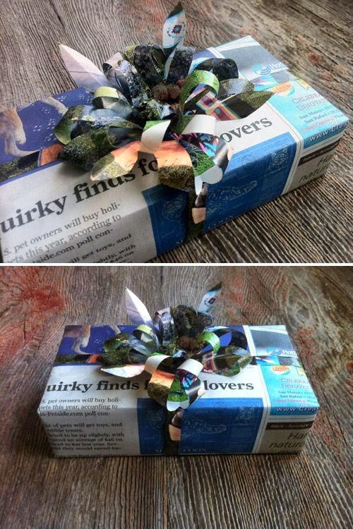 decorar regalos con períodico viejo