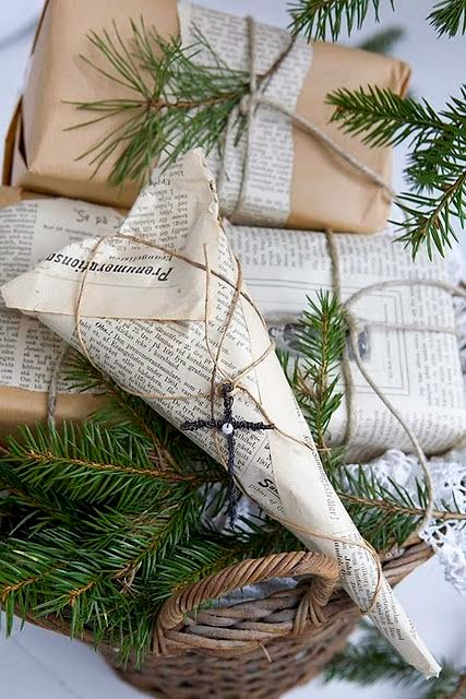 decorado de presentes con hojas