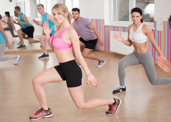 zancadas para reducir la grasa en las piernas