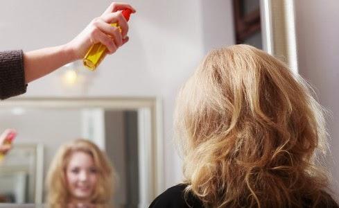 cómo hacer un spray o fijador natural para el pelo