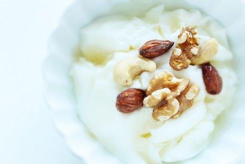 yogurt y nuez nueces