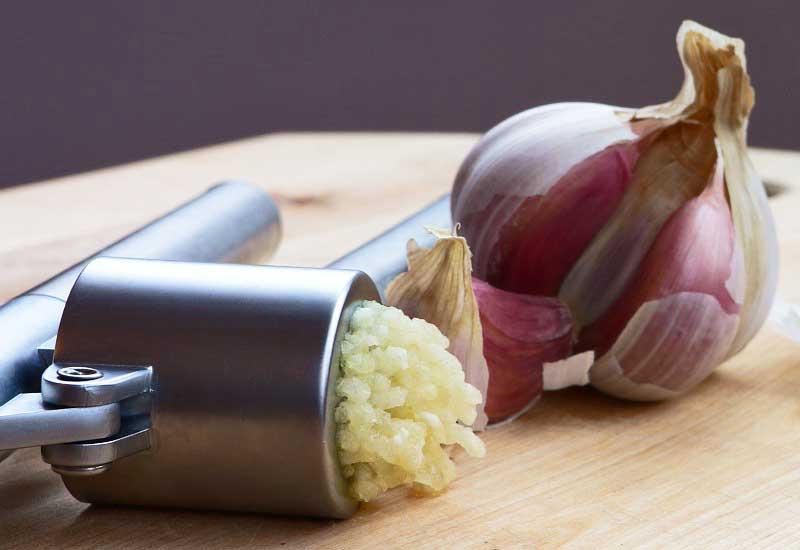 comer ajo con el estómago vacío
