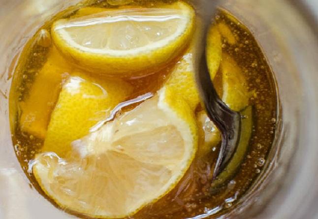 Jarabe natural para resfriados con jengibre, limón y miel