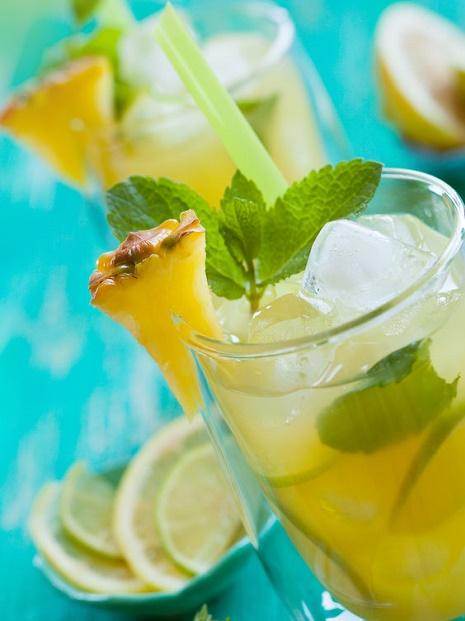 Limonada con piña limón