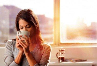 no es bueno tomar café al despertarnos