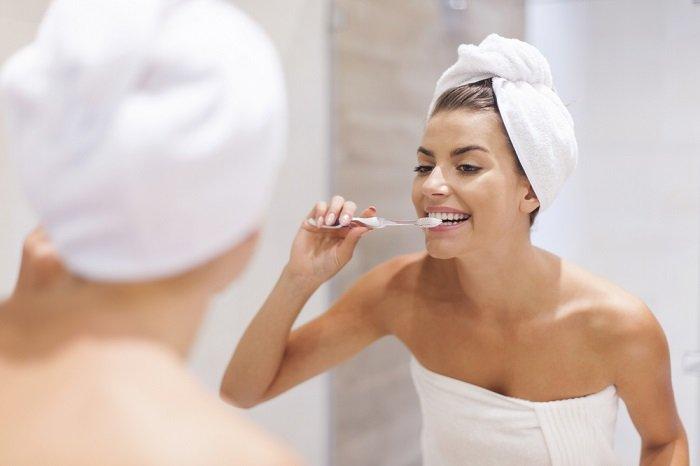 higiene bucal para tratar la candidisis