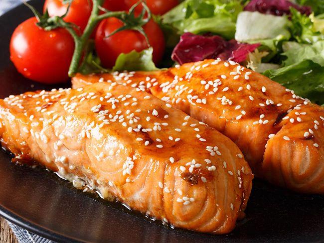 un platillo de salmón que huele delicioso y dan ganas de comerlo