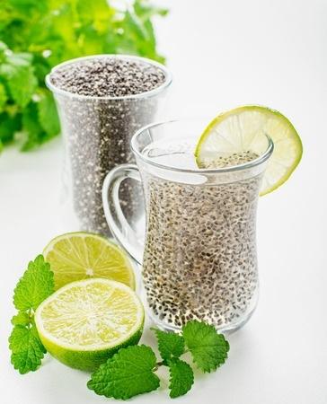 bebida con semillas de chia Agua
