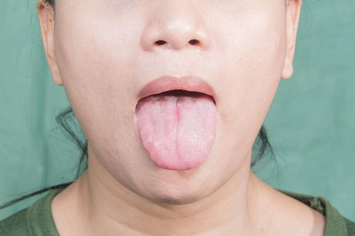 Vergazos en la lengua de una mexicana mamadora