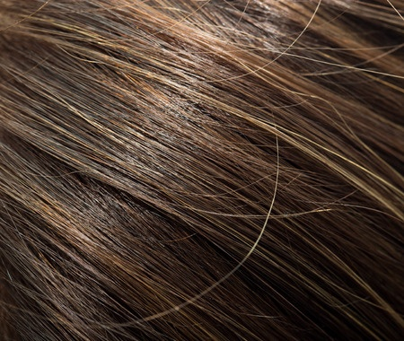 cabello sano con aceite de almendras
