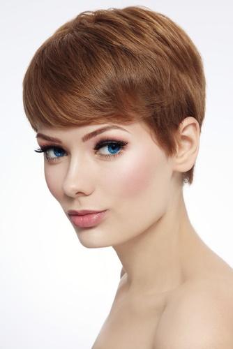 el corte de pelo pixie es otra tendencia de las favoritas en cabellos cortos