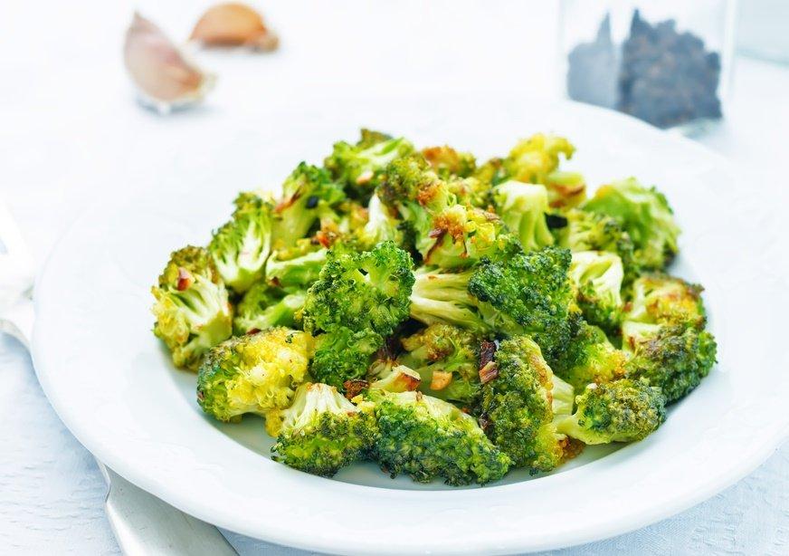 Brócoli crujiente con limón y ajo para dietas reductoras