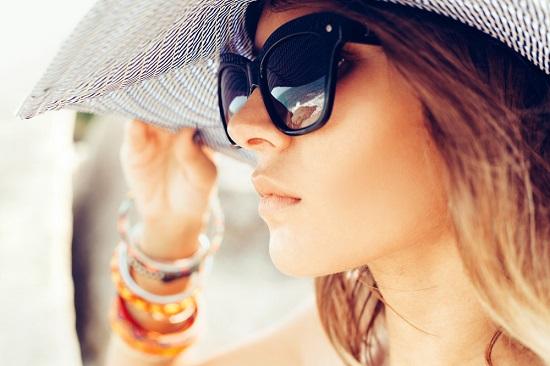gafas de sol prevenir las arrugas
