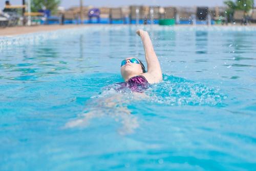 perder grasa de los senos natación