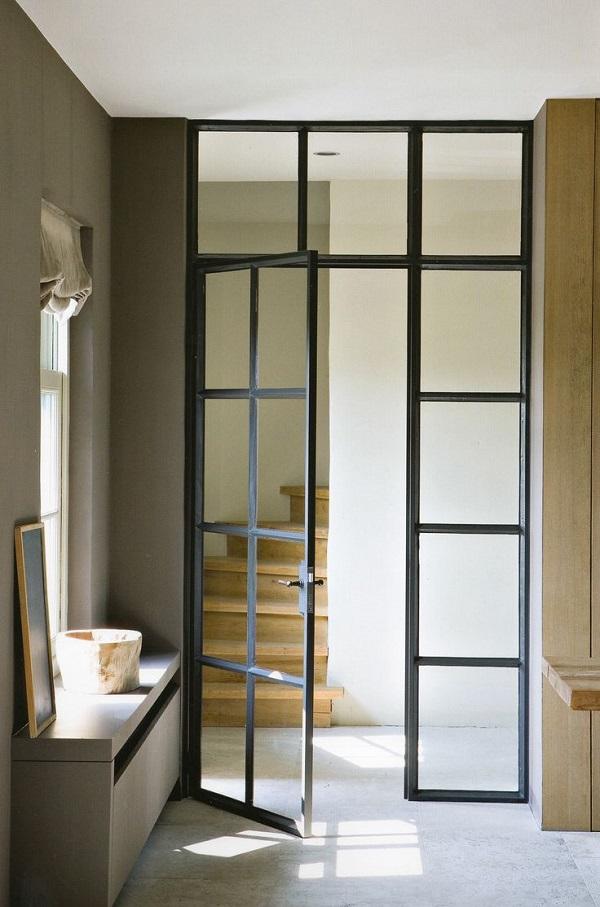 puerta de interior a la escalera