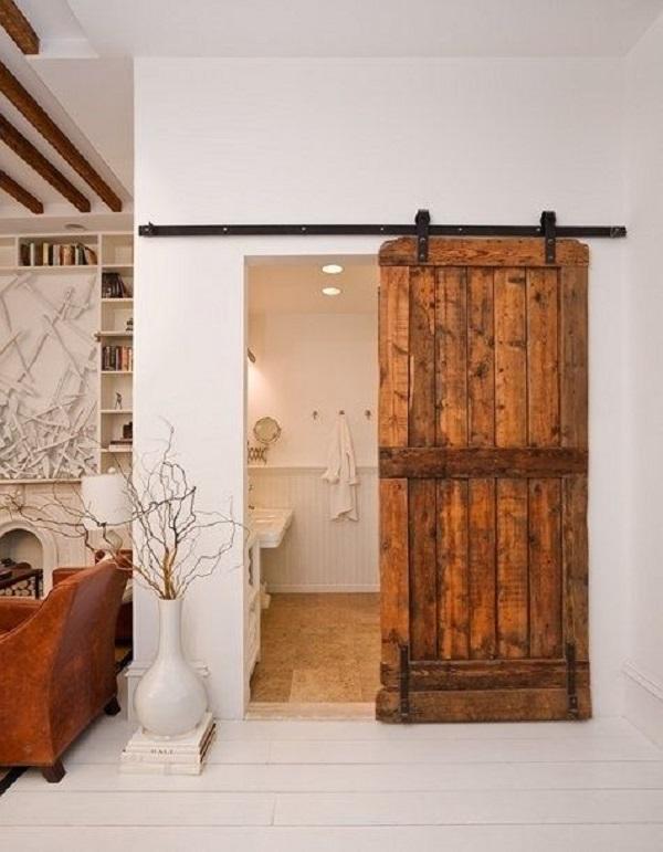 puerta rústica en baño