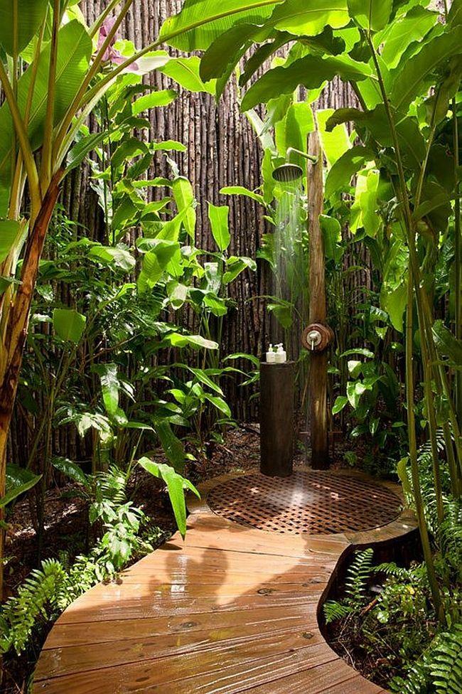 ducha en jardín zen
