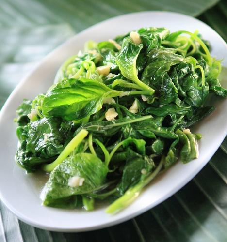 controlar la diabetes ensalada de espinaca con ajo
