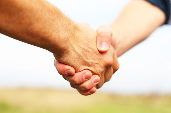 manos transmiten gérmenes