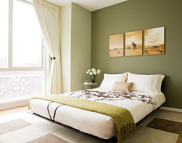 modern-bedroom-decor-with-an-Eileen-Gray-side-table