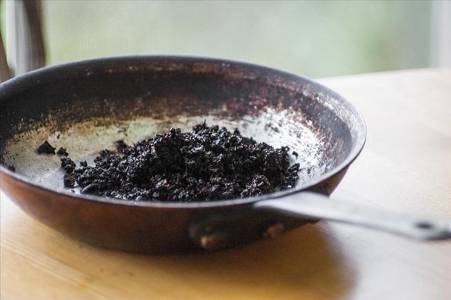 desengrasante con café molido
