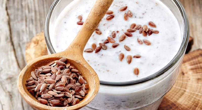 Yogur y semillas de lino linaza