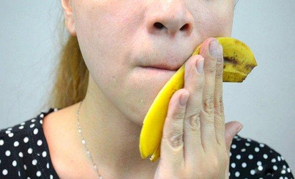 Los beneficios de la cáscara de plátano para la piel
