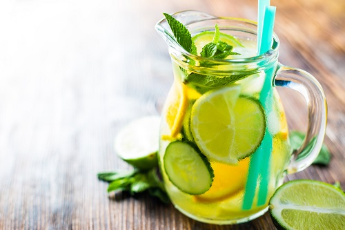 agua detox pepino