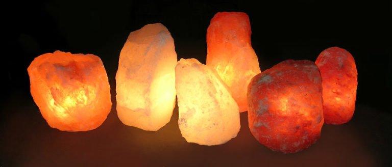 las lámparas de sal del Himalaya