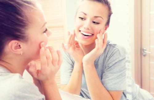 Beneficios del serum casero para el rostro