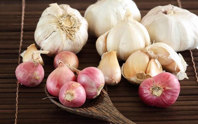 Consumir cebolla y ajo para prevenir el cáncer