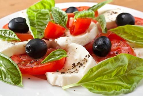 ensalada de tomate en dieta baja en carbo