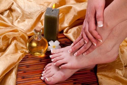 masaje pies aceites esenciales