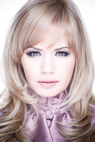Сharming peinados con pelo en capas Imagen de cortes de pelo consejos - Cortes de pelo a capas para todas las épocas del año