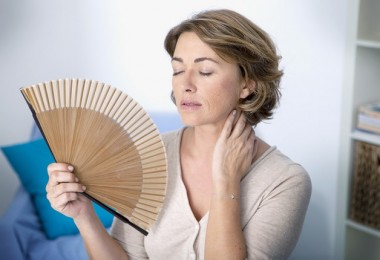 porqué se sube de peso durante la menopausia