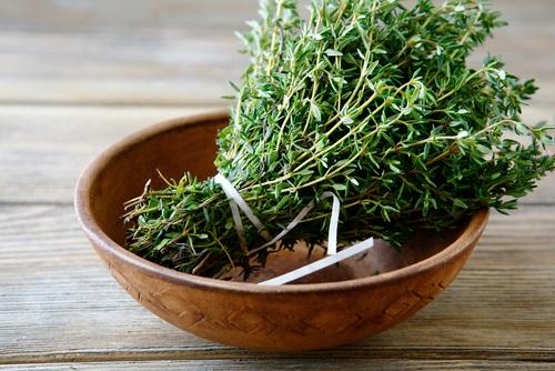 tomillo tratamiento natural y remedios caseros para quitar la caspa