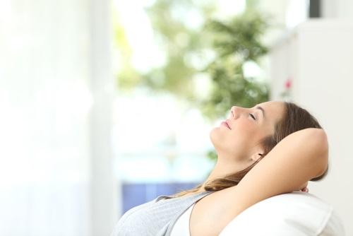 tratamiento efectivo en mujer logra blanquear las axilas