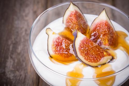 yogurt natural con higos