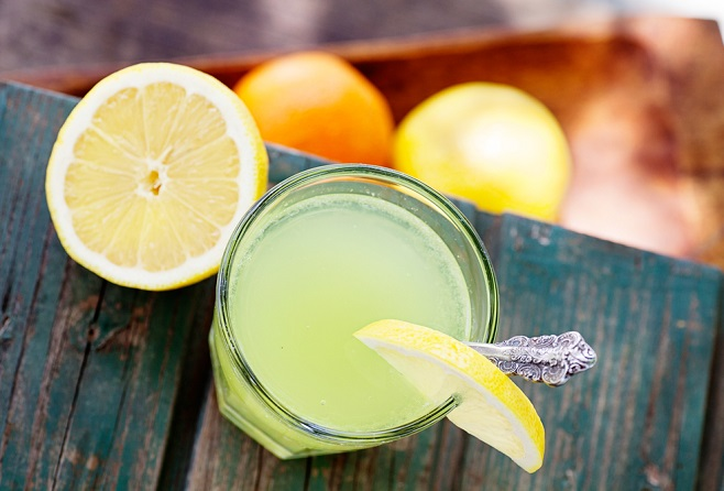 Zumo de limón para eliminar el cansancio físico y mental